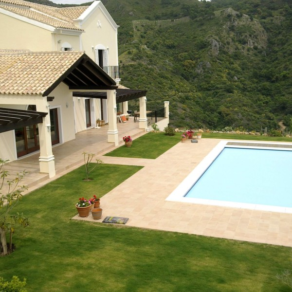 Villa Montemayor